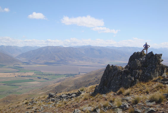 Views towards Diadem and Ohau Ranges from Ewe Range Track