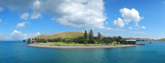 Approaching Huruhi harbour, Great Mercury Island. Photo: Kelly Smith.