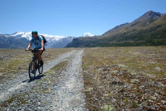 Mountain biker on the Tasman River Trail.
