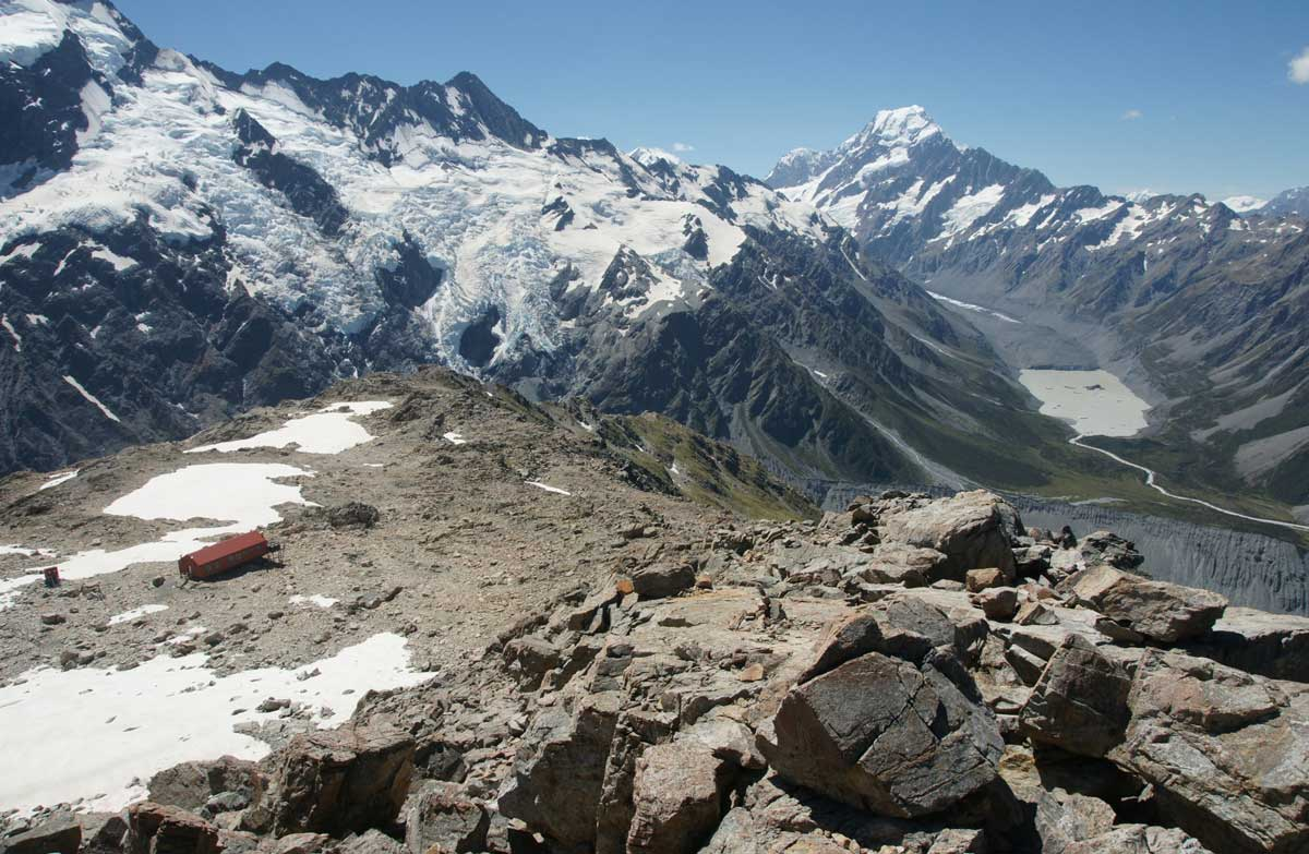 Mueller hut route walking and traming in aorakimount cook national mueller hut publicscrutiny Image collections