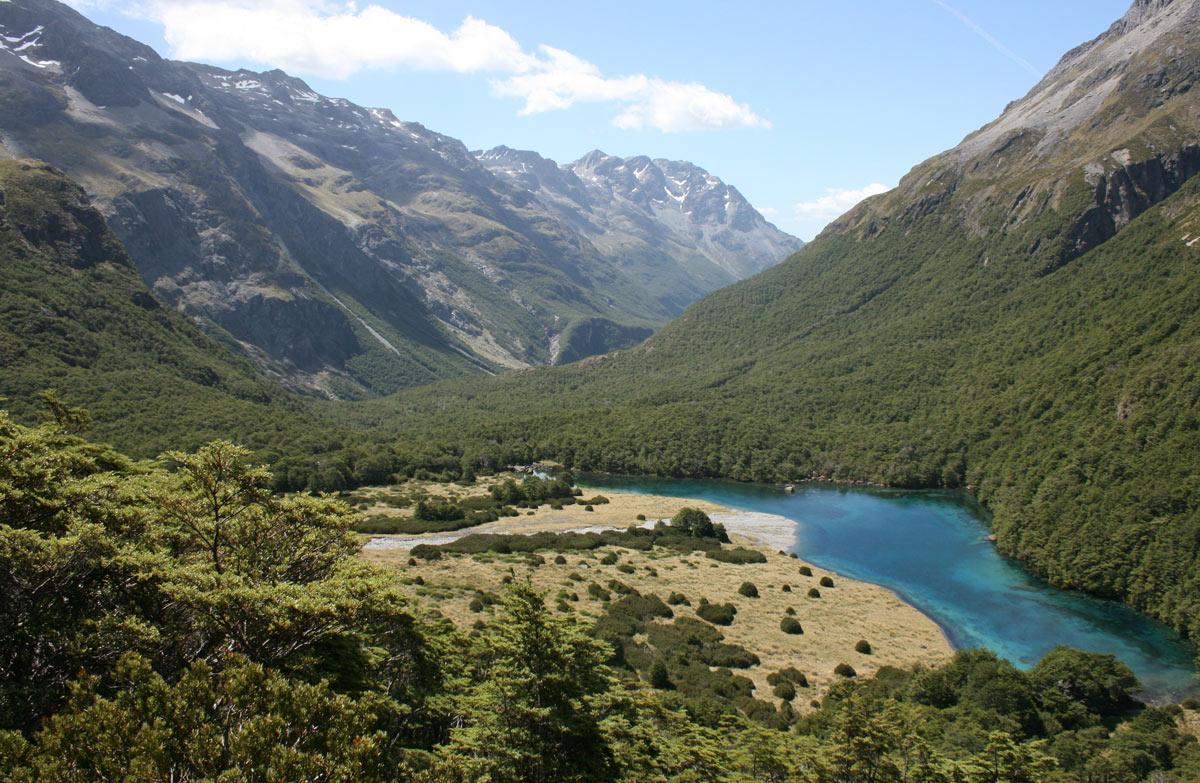 Blue Lake Hut: Nelson Lakes National Park, Nelson/Tasman ...