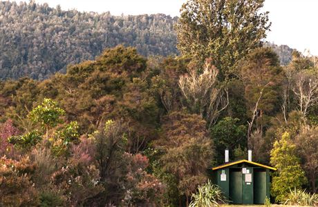 Toilets, Tarawera Outlet.