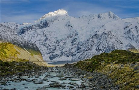 Mount Sefton and the Footstool as seen from the Hooker Valley Track. Photo: