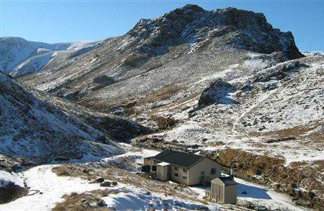 Woolshed Creek Hut in winter.