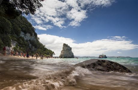 Ocean and people at Cathedral Cove.