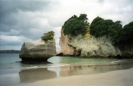 Cloudy weather, Cathedral Cove.