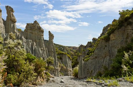 Putangirua Pinnacles, location for The Dimholt Road.