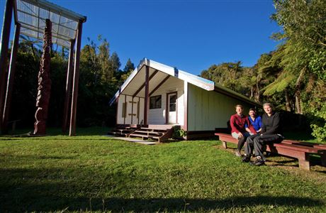 People at marae on the Whanganui River journey.