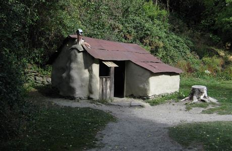 Building in the Arrowtown Chinese Settlement.