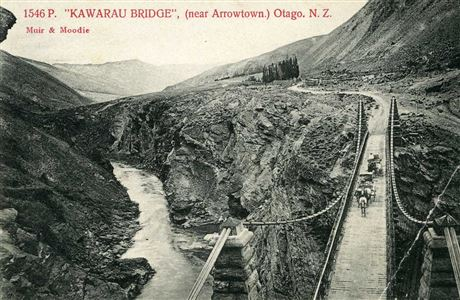 Kawarau Suspension Bridge in 1900.