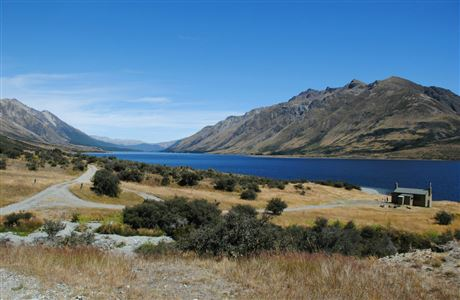 North Mavora Lake and Carey's Hut.