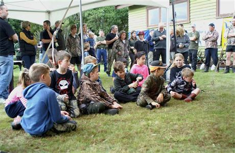Kids enjoying Pureora hunting competition.
